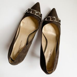 Bandolino Brown Suede Pumps with Gold Chain